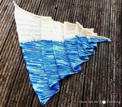 OUT NOW: Der Strandschal (Anleitung für ein assymmetrisches Tuch in zwei Farben)