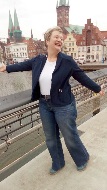 Schnieke Wiebke - Echt Knorke - Sweatblazer - Sweatblazer nähen - Damenblazer_offenkantig verarbeitet_
