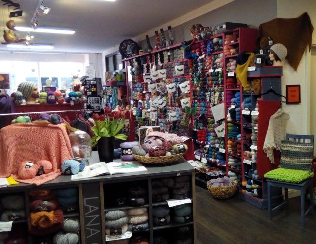Ladengeschäft- Woolness bei Claudia - visityourlys -
