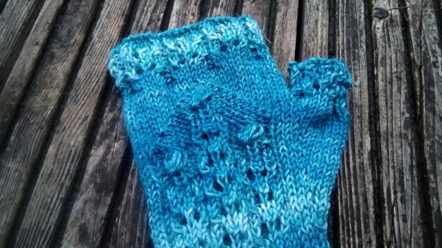 Britt Handstulpen - Regia Premium Silk Color - Krönchenwolle - Handstulpen stricken - Muster