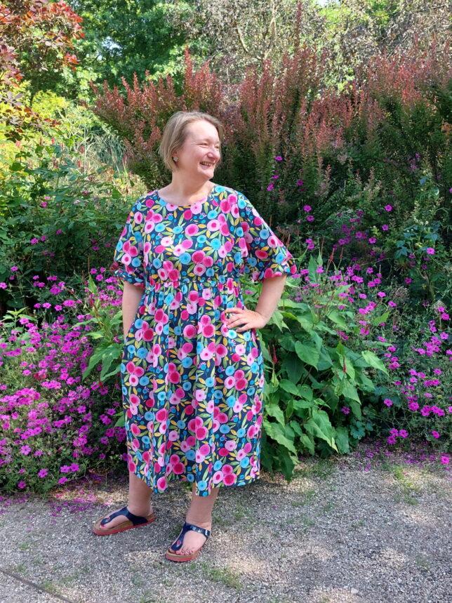 Style Arc - Hope Woven Dress - Blumenmuster - Sommerkleid - Raglanärmel - Taschenjpg